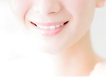 歯を削らずに白くするホワイトニング治療