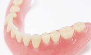 \ 入れ歯のメンテナンス /